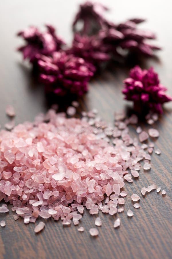 Różowa kąpielowa sól fotografia royalty free