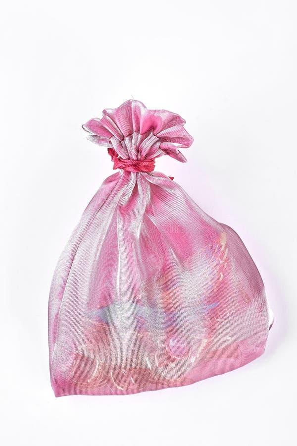 Różowa organza torba z biżuterią obraz royalty free