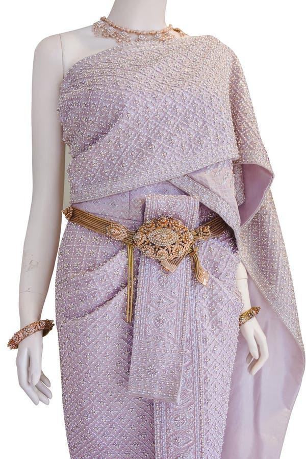 Różowa suknia Å›lubna w stylu tajskim zdjęcia royalty free