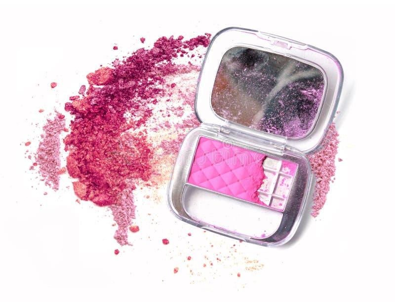 Różowy prochowy kosmetyka pudełko z lustrem Zdruzgotany uzupełniał proszek zdjęcia stock