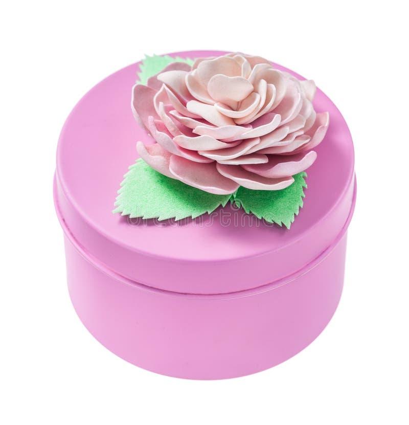 Różowy round prezenta pudełko odizolowywający na bielu zdjęcie royalty free
