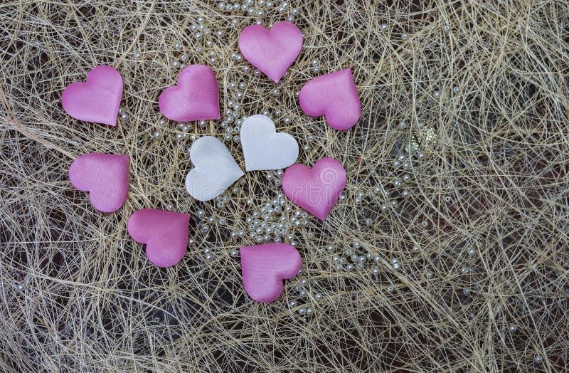Różowy serce na drewnianym tle Provencal styl fotografia royalty free