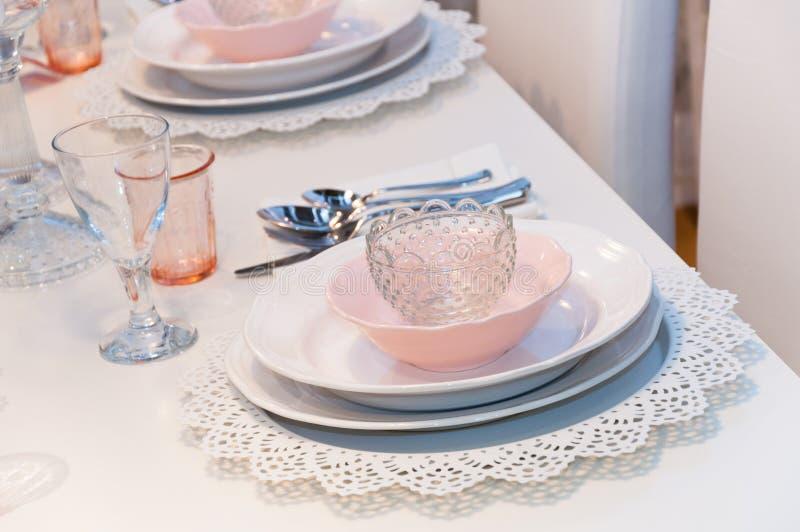 Różowy stołowy położenie zdjęcia royalty free