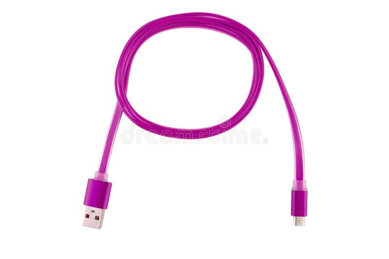 Różowy Usb kabel przekręcał w pierścionek na białym odosobnionym tle, Horyzontalna rama obraz stock