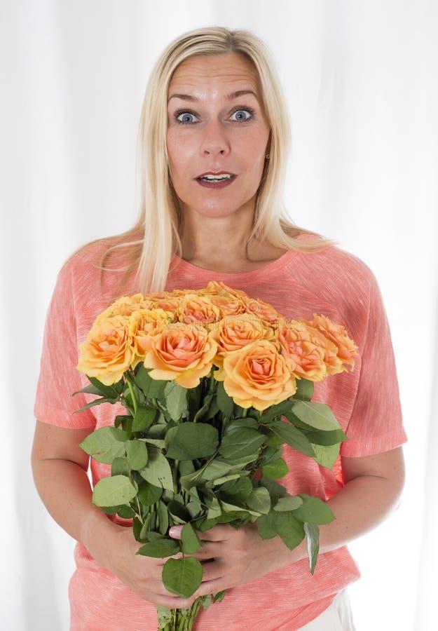róży blond kobieta obraz stock