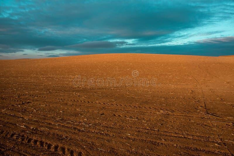 Równiny kultywujący pola zdjęcie stock