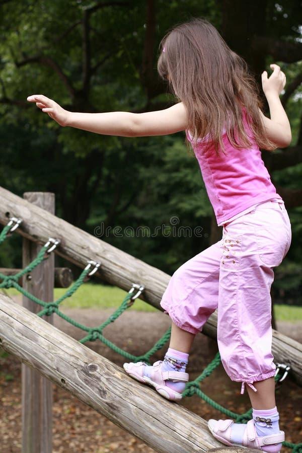 równoważenie dziewczyna zdjęcia stock