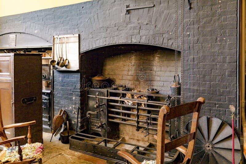 Rôtissoire, Chambre de Charlecote, le Warwickshire, Angleterre images libres de droits