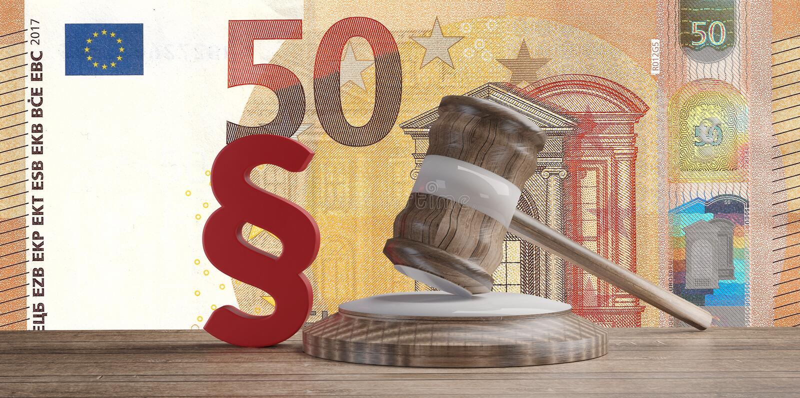 Röd avsnitt- och domareauktionsklubba framme av femtio sedlar 3d-illustration för ett euro stock illustrationer