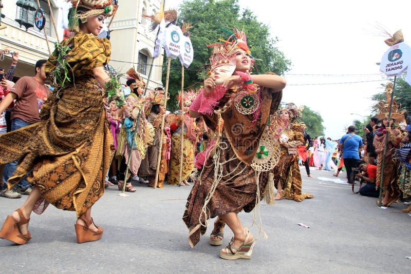 Röd Batik arkivbild
