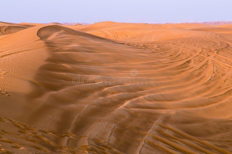 Röd efterrätt av Dubai royaltyfria foton