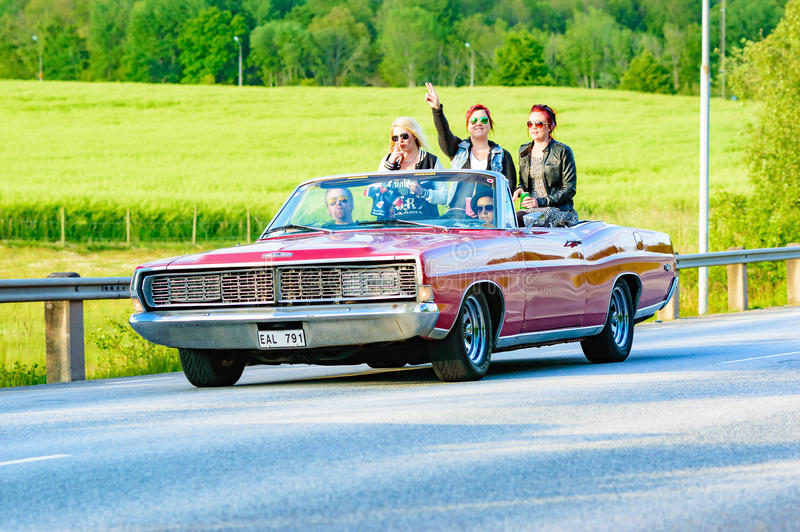 Röd Ford galaxie 1968 royaltyfri foto