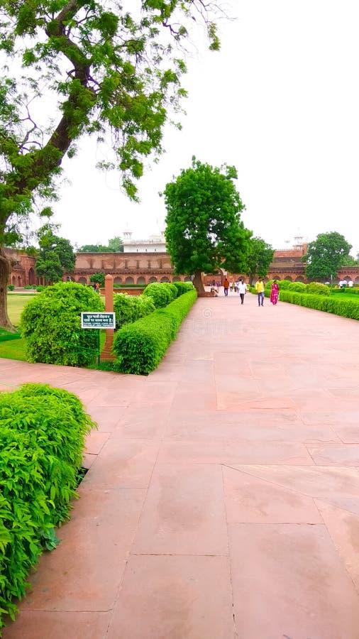 Röd fortträdgård royaltyfria foton