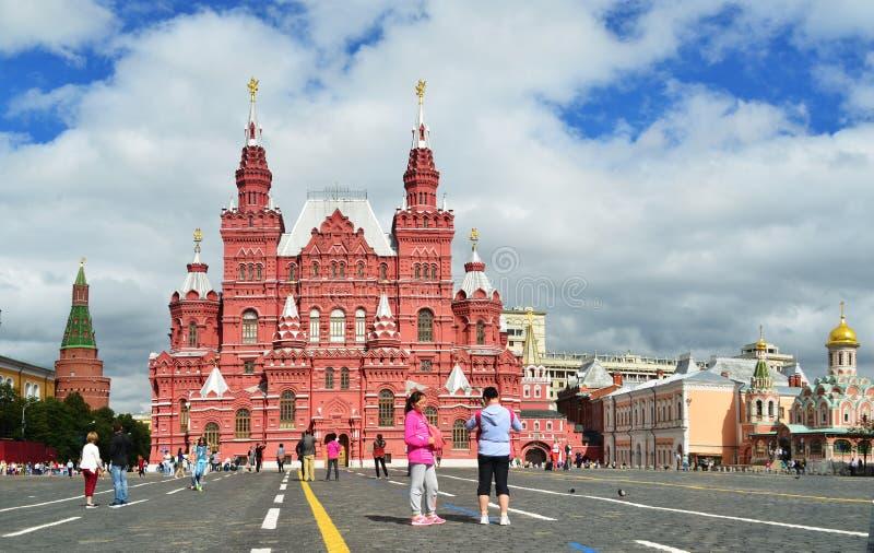 Röd fyrkant, det centrala området i Moskva royaltyfria bilder