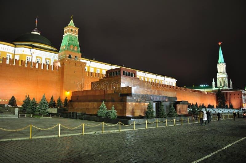röd fyrkant för lenin mausoleum royaltyfri fotografi