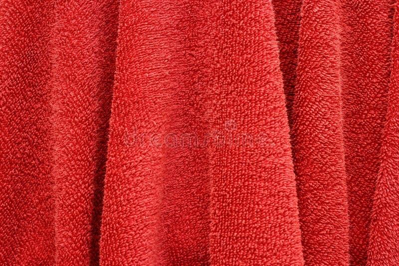 Röd handhandduk royaltyfria bilder