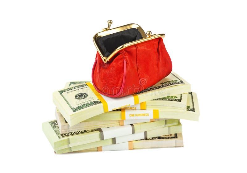Röd handväska och pengar fotografering för bildbyråer