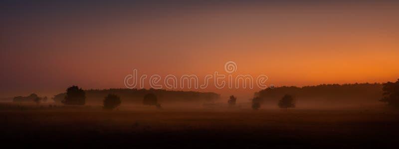 Röd morgon fotografering för bildbyråer