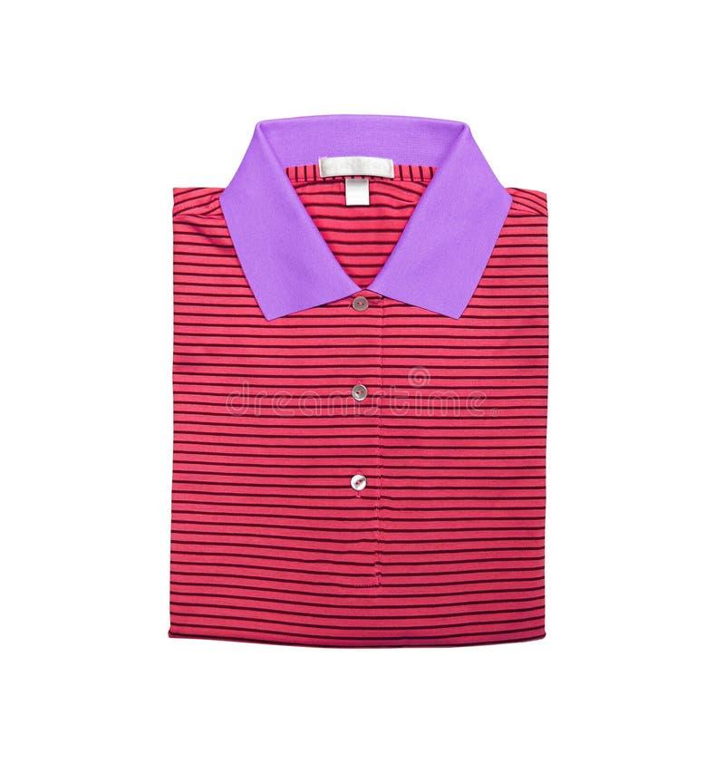 Röd poloskjorta som isoleras på vit royaltyfri bild