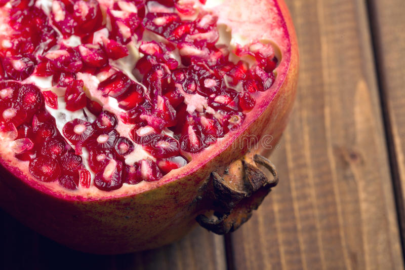 Röd Pomegranate royaltyfri fotografi