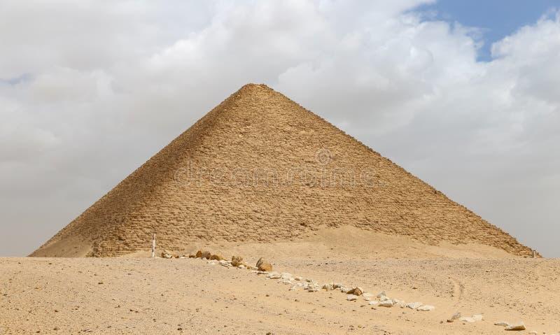 Röd pyramid av Dahshur i Kairo, Egypten arkivbilder