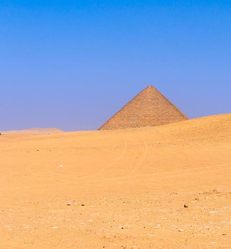 Röd pyramid på Dahshur, Cairo, Egypten arkivfoton