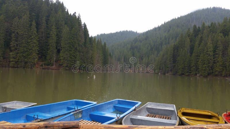 Röd sjö Rumänien royaltyfri foto
