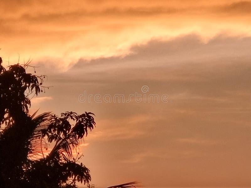 röd sky arkivbild