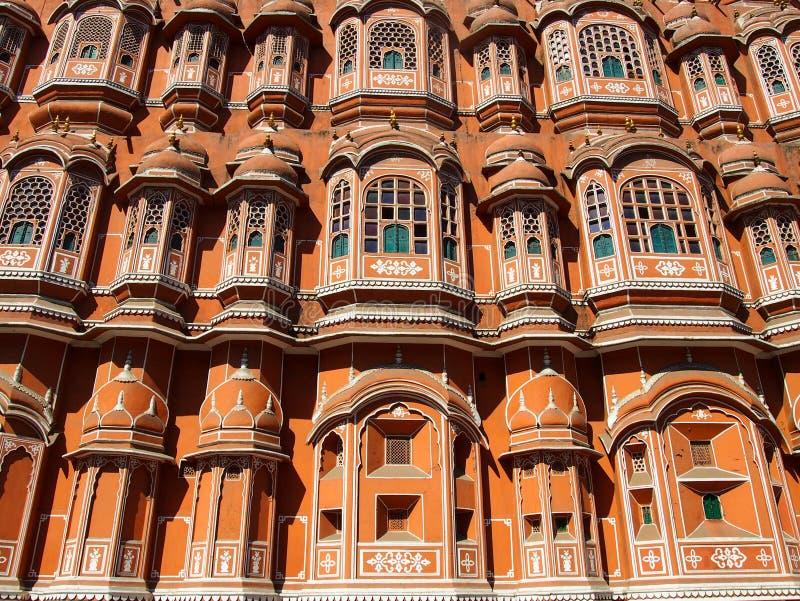 Röd slottfasad Indien arkivfoton