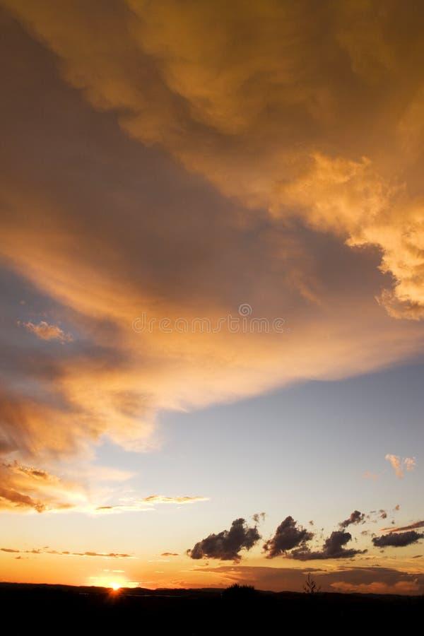röd solnedgång arkivfoto