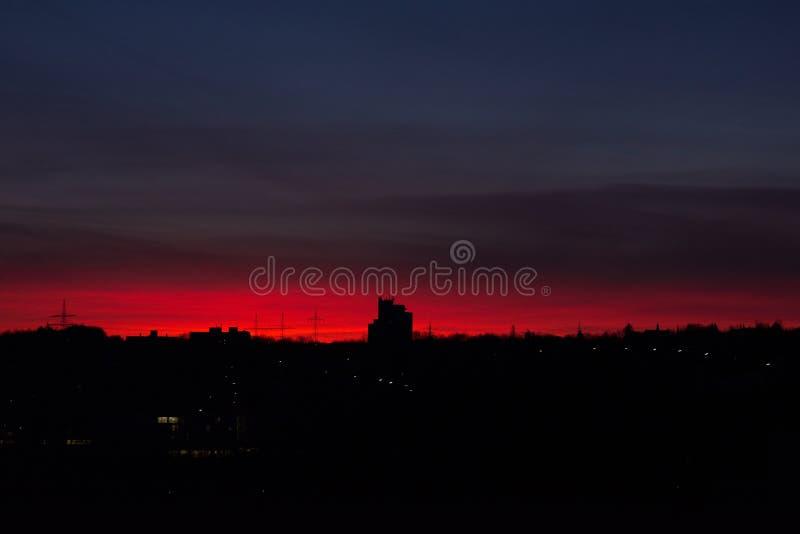 Röd soluppgång i WÃ-¼rzburg royaltyfria bilder