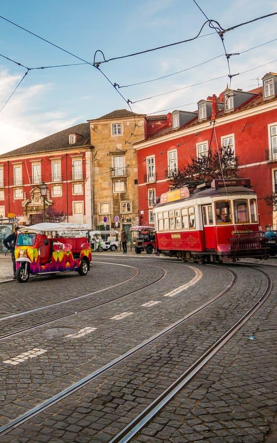 röd spårvagn fotografering för bildbyråer