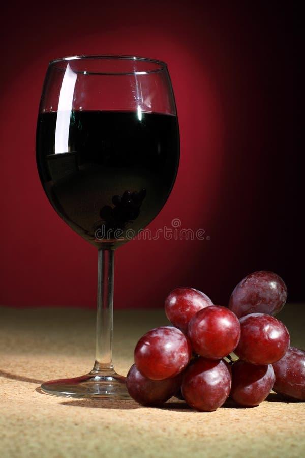 röd still wine för glass livstid arkivbilder