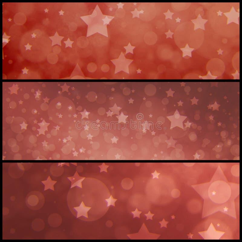 Röd stjärnabakgrund för tappning, bleknat tråkigt rött med lager av stjärnor och suddiga bokehljus royaltyfri foto