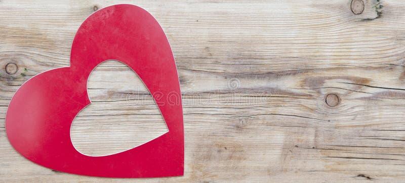 Röd tom hjärtaform arkivfoto