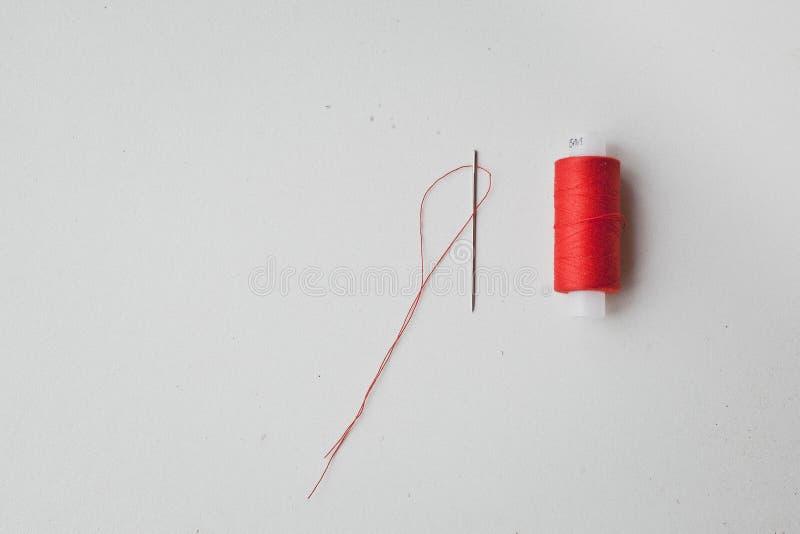 röd tråd för visare royaltyfria foton