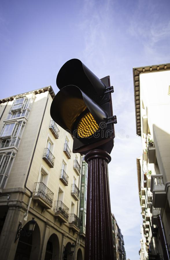Röd trafikljus för bilar royaltyfria bilder