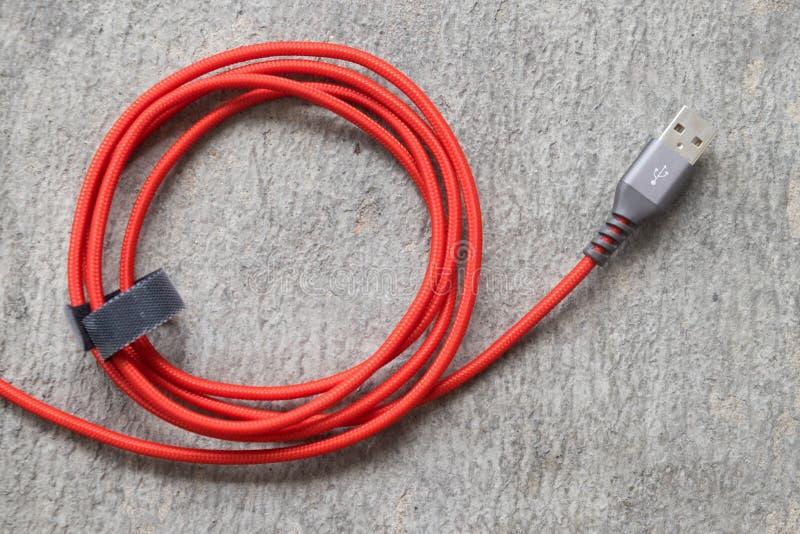 Röd USB kabel arkivfoton