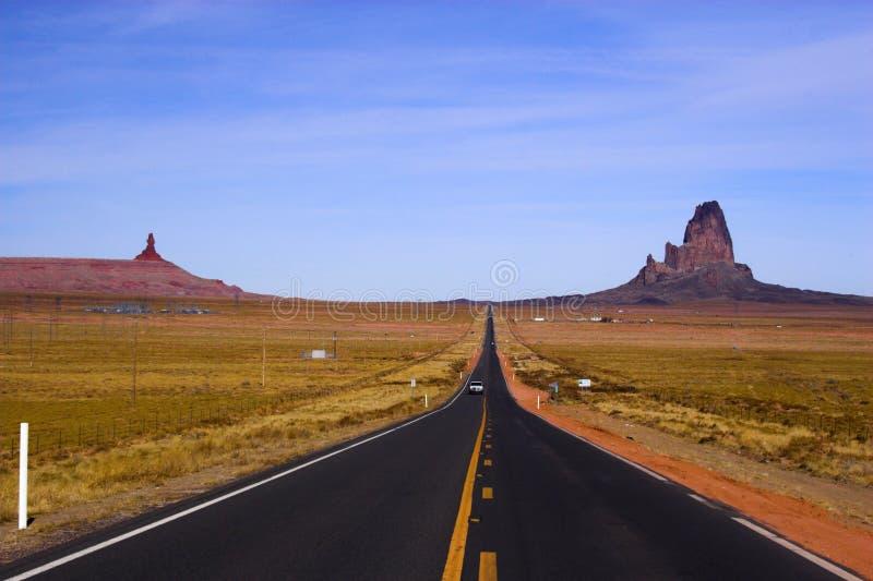 röd väg för öken till arkivfoto