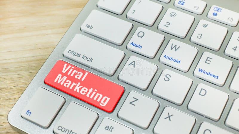 Röd virus- marknadsföring på tangentbordaffärsidé royaltyfria bilder