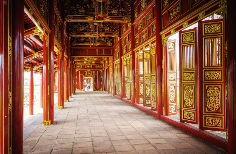 Röda dörrar, imperialistisk citadell, ton, Vietnam royaltyfri bild