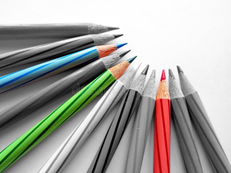 Röda, gröna och blåa färgblyertspennor för RGB arkivfoto