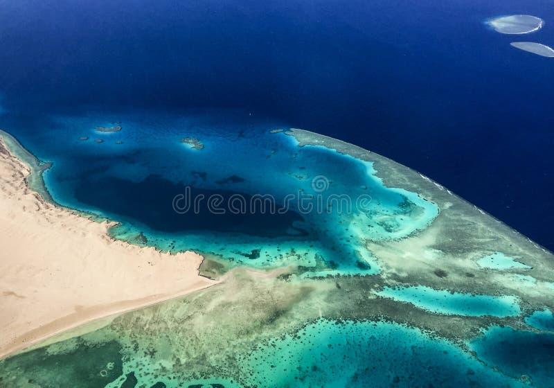Röda havetsikt från nivån arkivfoto
