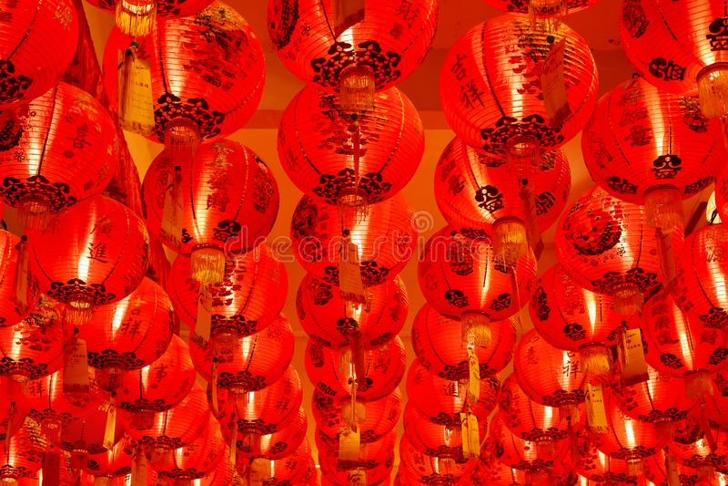 röda kinesiska lyktor royaltyfri fotografi