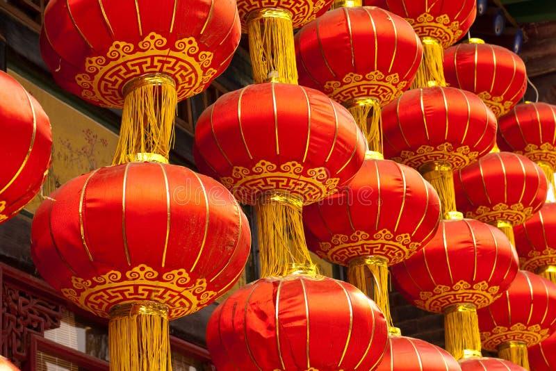 Röda kinesiska lyktor fotografering för bildbyråer