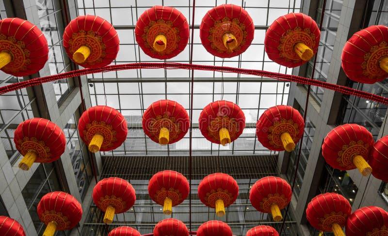 Röda lyktor under kinesiskt nytt år royaltyfria foton