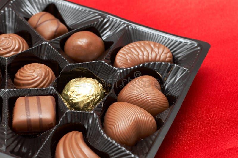 röda silk valentiner för askchoklader arkivfoton
