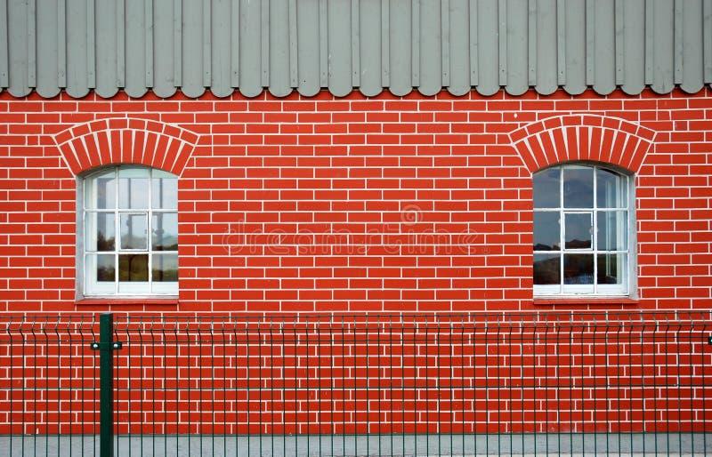 Download Röda Väggfönster För Tegelsten Fotografering för Bildbyråer - Bild av isolerat, objekt: 19793885