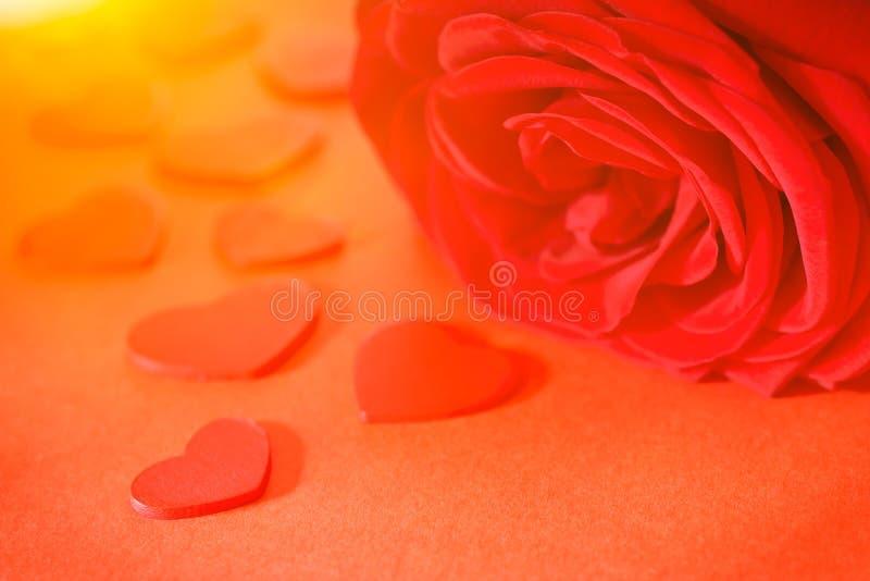 Röda valentin för roshjärtaförälskelse royaltyfri fotografi