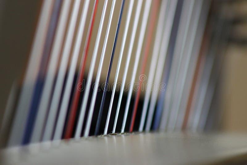 Röda vit- och blåttharparader arkivbild